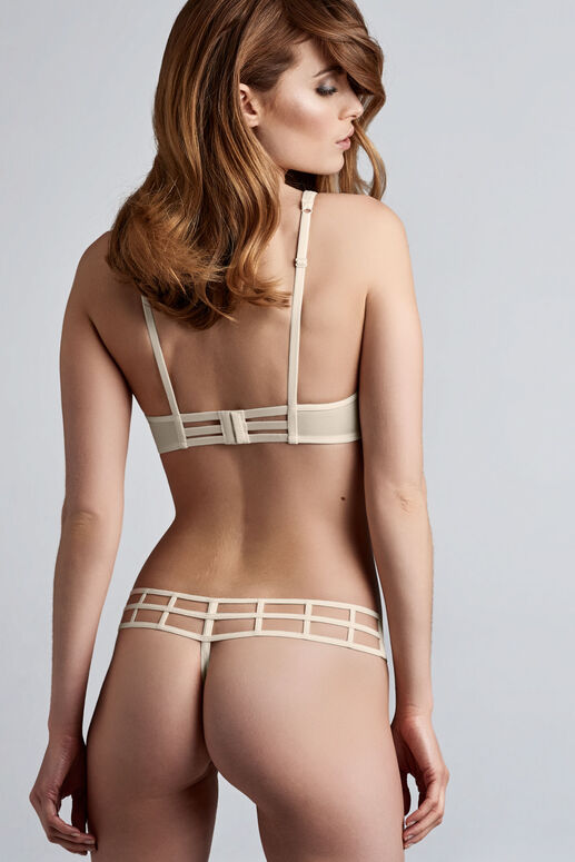 leading strings 4 cm thong