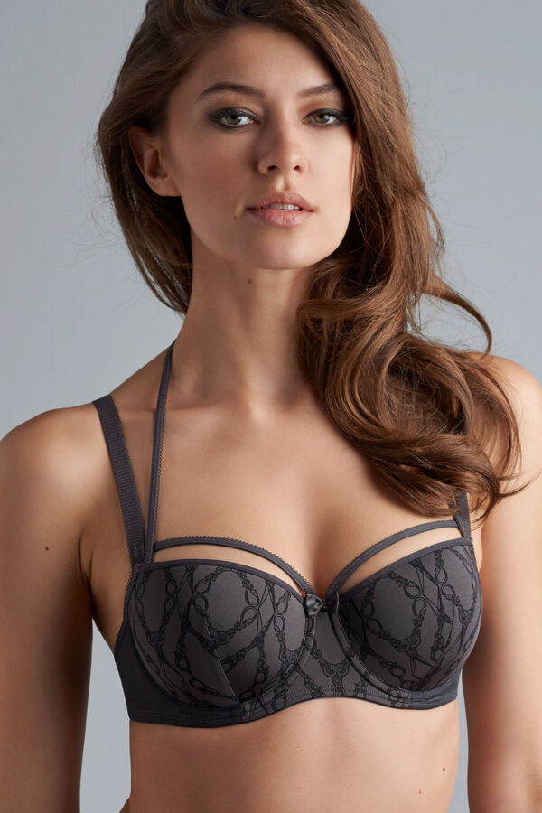 latin lady balcony bra